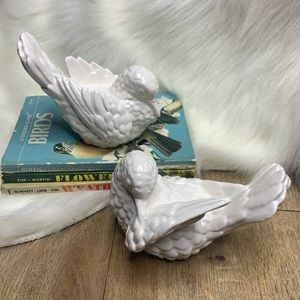 Vintage Set of 2 Ceramic White Doves Birds Pair